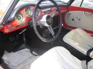374706 interior
