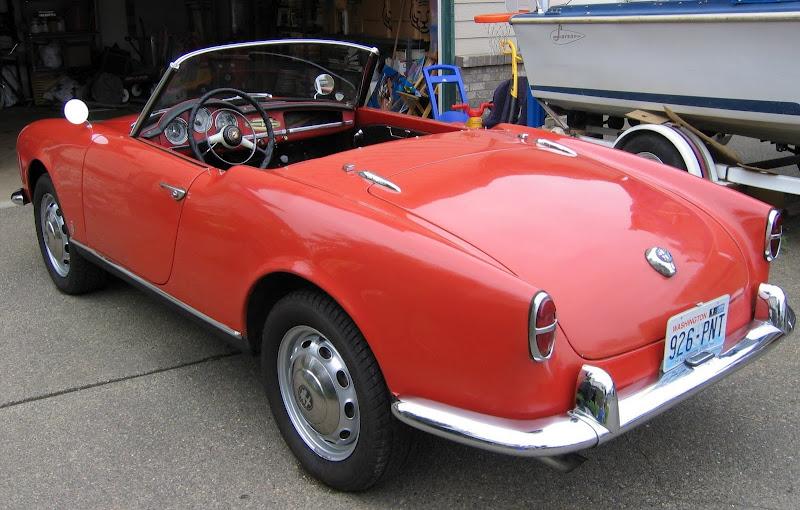 Alfa Romeo Giulietta Spider Left Rear View